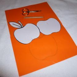 Schritt 1: Dekorativen Apfel als Tischdeko aus Tonpapier basteln