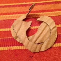 Schritt 12: Marienkäfer Pompon aus Wolle basteln