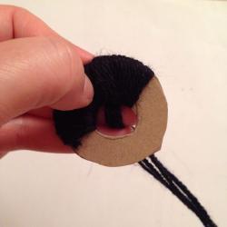Schritt 5: Pandabär aus Wolle basteln