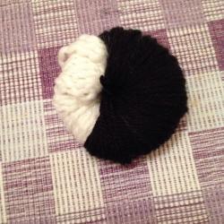 Schritt 7: Pinguin aus Wolle basteln