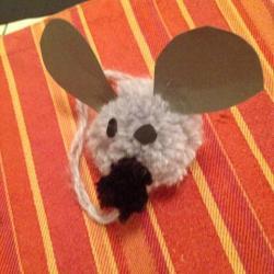 Schritt 16: Maus aus Wolle basteln