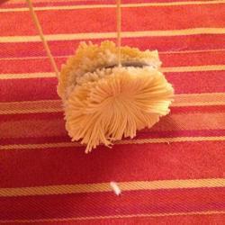 Schritt 9: Kücken aus Wolle basteln