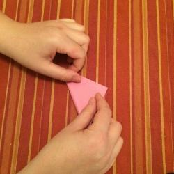 Schritt 2: Schnecke aus Papier falten
