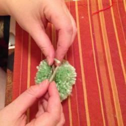 Schritt 9: Frosch aus Wolle basteln