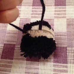 Schritt 9: Katze aus Wolle basteln