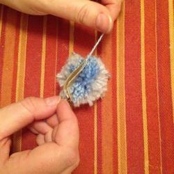Schritt 7: Raupe aus Wolle basteln