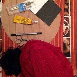 Schritt 1: Marienkäfer Pompon aus Wolle basteln