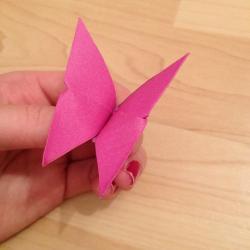 Schritt 17: Schmetterling aus Papier falten