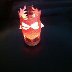 Schritt 5: Weihnachtliches Windlicht aus Papier basteln