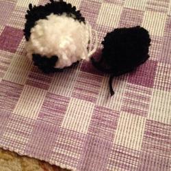 Schritt 12: Pinguin aus Wolle basteln