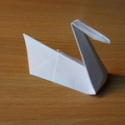 Schritt 9: Origami Schwan falten