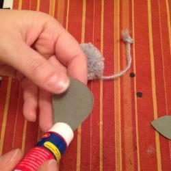 Schritt 14: Maus aus Wolle basteln