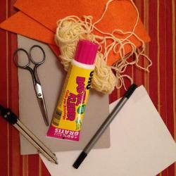 Schritt 1: Kücken aus Wolle basteln