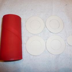 Schritt 3: Auto aus Toilettenpapier selbst basteln